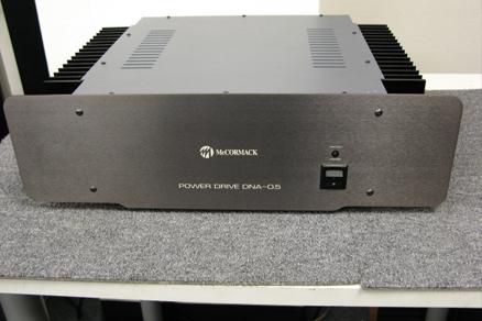 Amplificador de potência Mc Cormak DNA 0.5